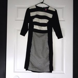Vince Camuto Dresses - ♡ VINCE CAMUTO BLACK AND WHITE STRIPED DRESS ♡